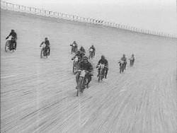 Tko je izumio prvi motocikl? 3txgN_33zk2