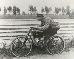 Tko je izumio prvi motocikl? PKIk7_31lj3